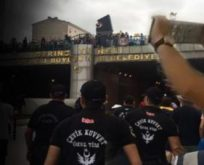 BİR SİZ EKSİKTİNİZ,ADALET YÜRÜYÜŞÜNE SEDAT PEKER'İN ADAMLARINDAN PROTESTO