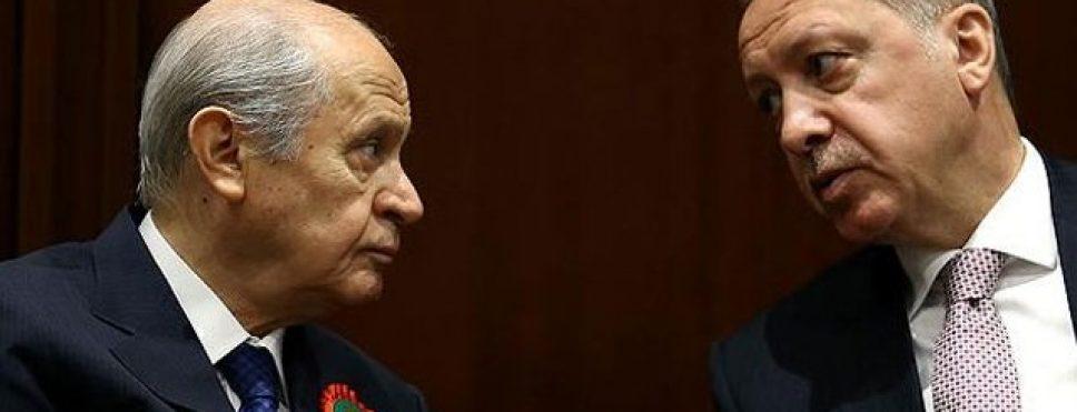 AKP'Yİ 2012'DE İKTİDAR YAPAN ERKEN SEÇİM ÇAĞRISINI DA BAHÇELİ YAPMIŞTI