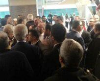 İBB MECLİSİNDE FETÖ VE AKP KAVGASI,AKP'Lİ ÜYELER AYAKLANDI