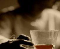 ALKOL TEDAVİ MERKEZİNDE KOMALIK OLUNCAYA KADAR İÇTİLER