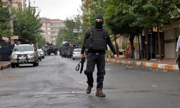 DİYARBAKIR'DA IŞİD OPERASYONU 2 POLİS ŞEHİT