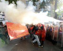 YÖK PROTESTOLARINDA ÖĞRENCİLERLE POLİS ÇATIŞTI,ÇOK SAYIDA YARALI VAR